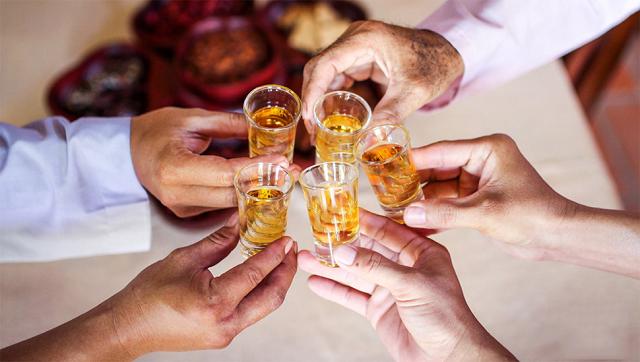 Rượu táo mèo rơm vàng sản phẩm tuyệt hảo cho ngày đông lạnh